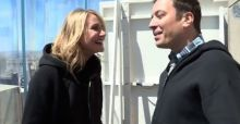 Cameron Diaz e Jimmy Fallon: photobombing nelle strade di New York