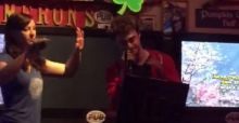 Daniel Radcliffe, da Harry Potter a rapper in un karaoke (VIDEO)