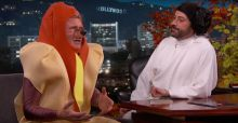 Harrison Ford si veste da Hot Dog e parla di Star Wars 7 in TV (VIDEO)