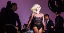'I want your love': Lady Gaga canta (e sfila) in anteprima per Tom Ford