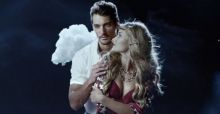 David Gandy e Rosie Huntington-Whiteley nella pubblicità di Natale di Marks & Spencer: le foto