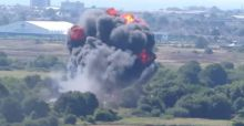 Incidente all'Air Show di Shoreham, jet precipita in autostrada: vittime e feriti, giallo sul pilota