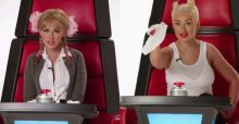 Christina Aguilera, lo spot di The Voice con le imitazioni di Britney Spears, Miley Cyrus e molte altre (VIDEO)