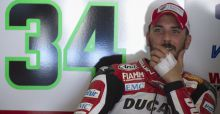 Superbike 2015, incidente a Laguna Seca per Davide Giugliano: il video