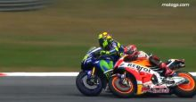 MotoGp, Rossi fa cadere Marquez a Sepang in Malesia: il video dell'incidente