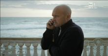Ascolti tv ieri: Montalbano vince in replica, Come un delifino 2 delude, bene Sciarelli e Europa League